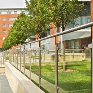 Q-railing combinatie glas buiten
