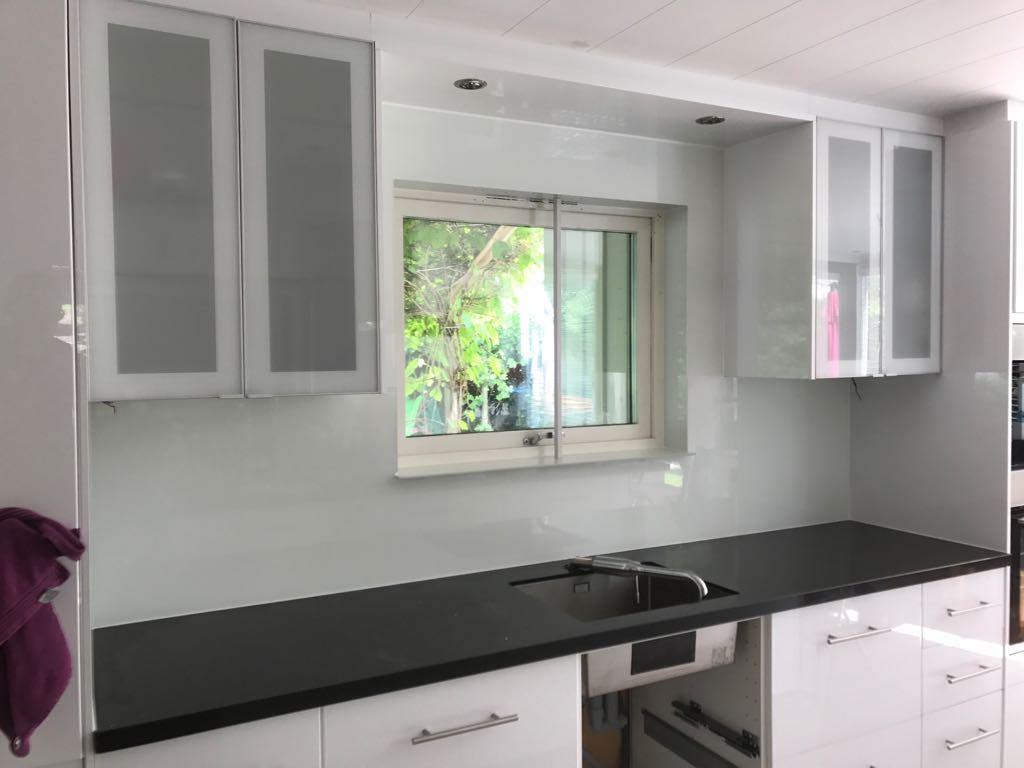 Keuken Glazen Achterwand : Glazen achterwand keuken van reenen glas